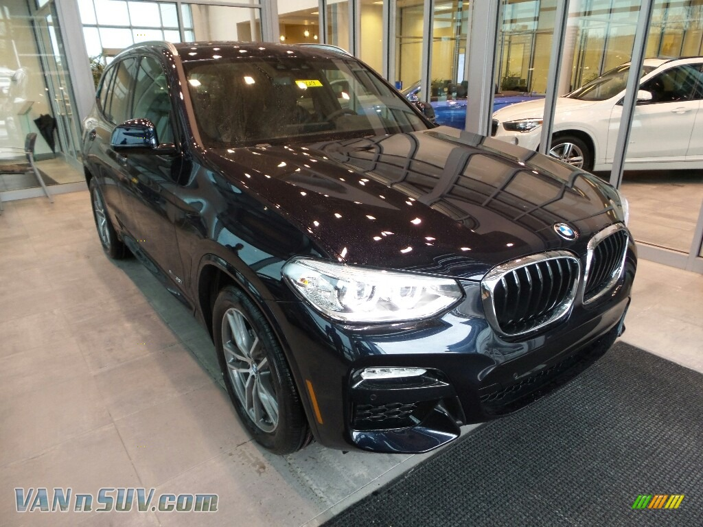 2018 X3 xDrive30i - Carbon Black Metallic / Black photo #1
