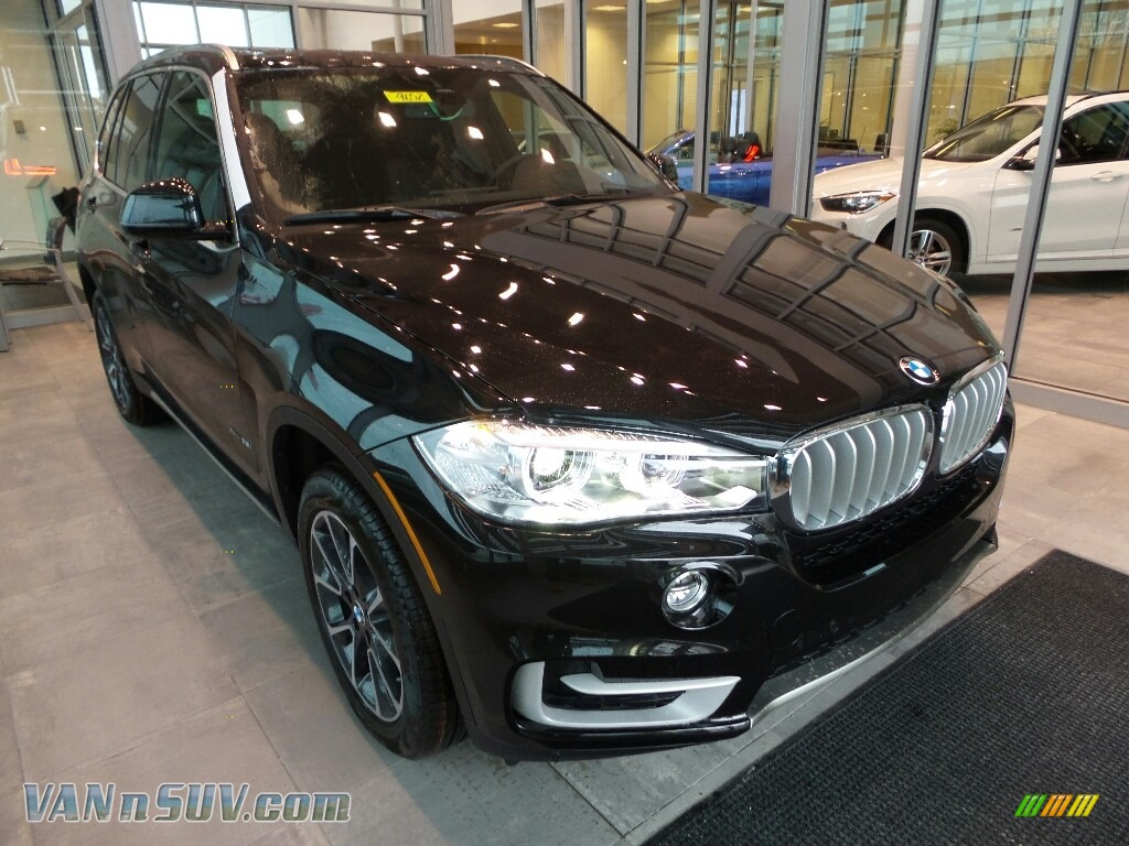 2018 X5 xDrive35i - Black Sapphire Metallic / Black photo #1