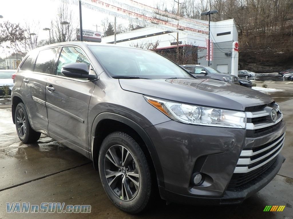 2018 Highlander LE AWD - Predawn Gray Mica / Ash photo #1