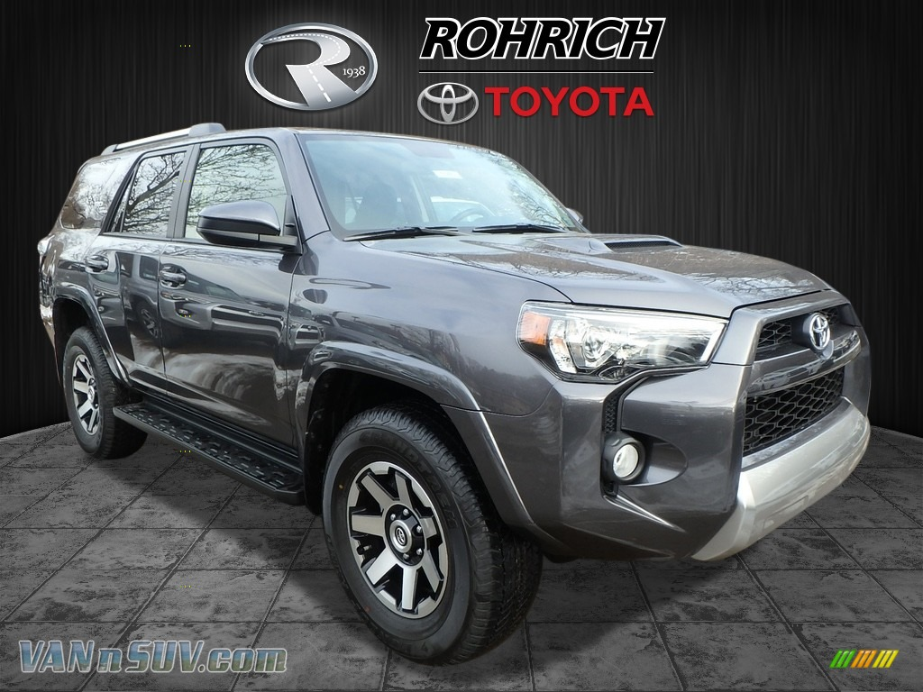 2018 4Runner TRD Off-Road 4x4 - Magnetic Gray Metallic / Black photo #1