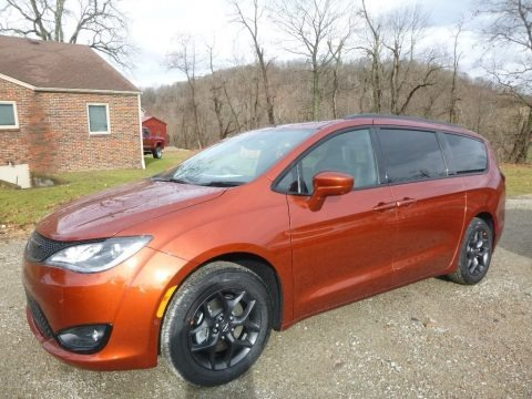 Copper Pearl 2018 Chrysler Pacifica Touring L Plus
