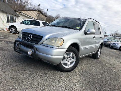 Brilliant Silver Metallic 1999 Mercedes-Benz ML 320 4Matic
