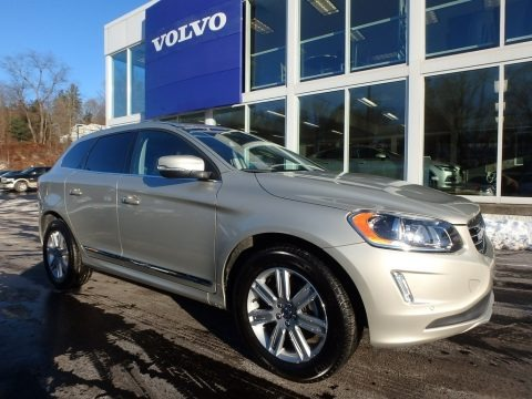 Luminous Sand Metallic 2017 Volvo XC60 T5 Inscription