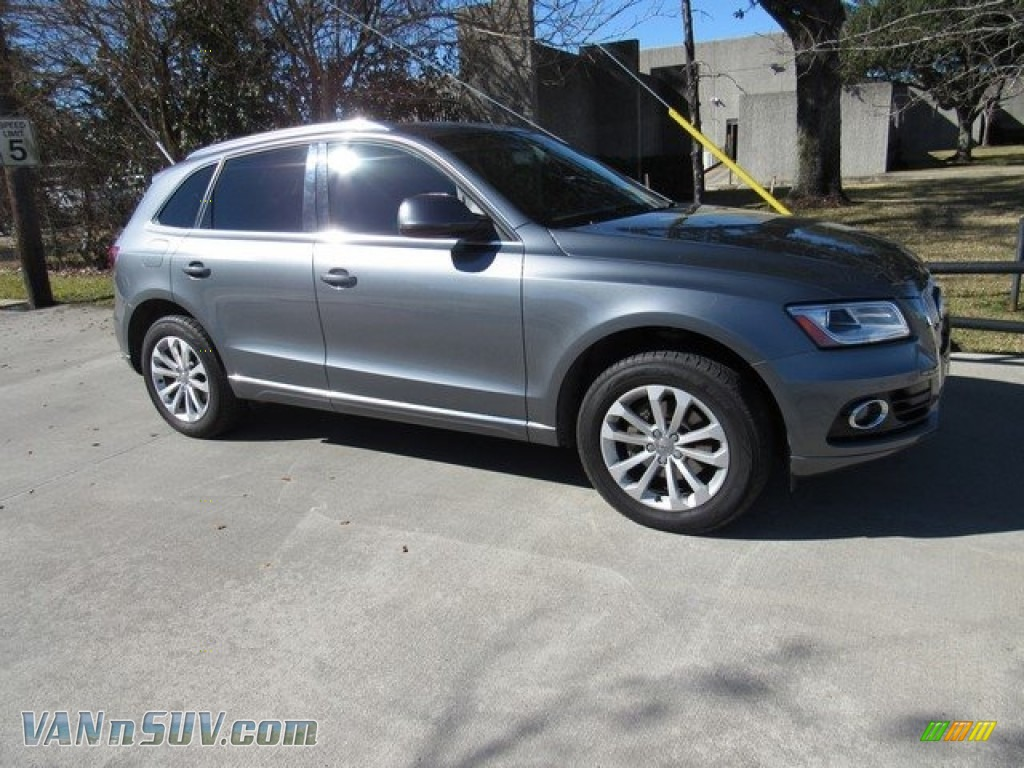 Monsoon Gray Metallic / Black Audi Q5 2.0 TFSI quattro