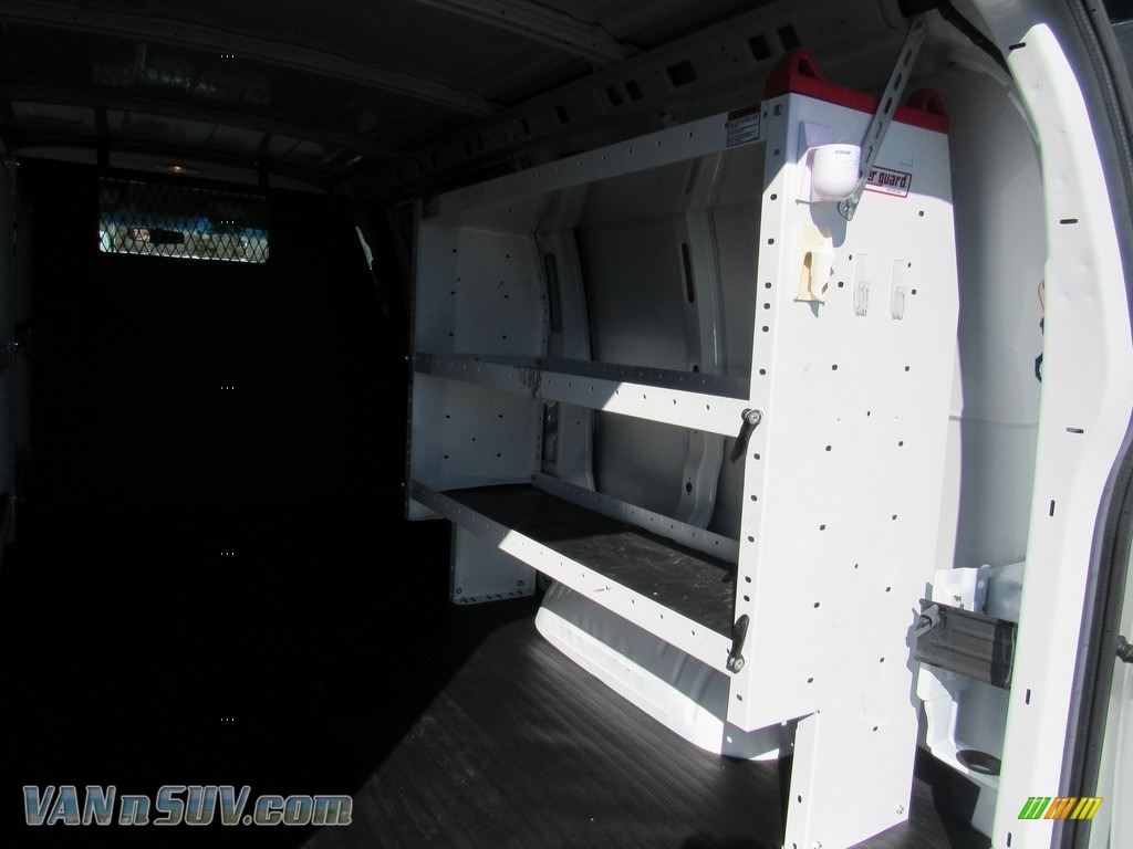 2012 Express 1500 Cargo Van - Summit White / Medium Pewter photo #12