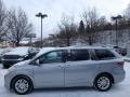Toyota Sienna XLE Silver Sky Metallic photo #4