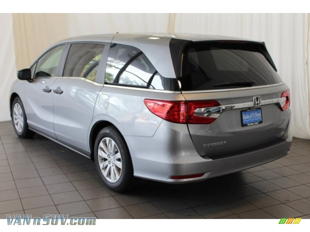 2018 Odyssey LX - Lunar Silver Metallic / Gray photo #7