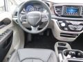 Chrysler Pacifica Touring L Bright White photo #13