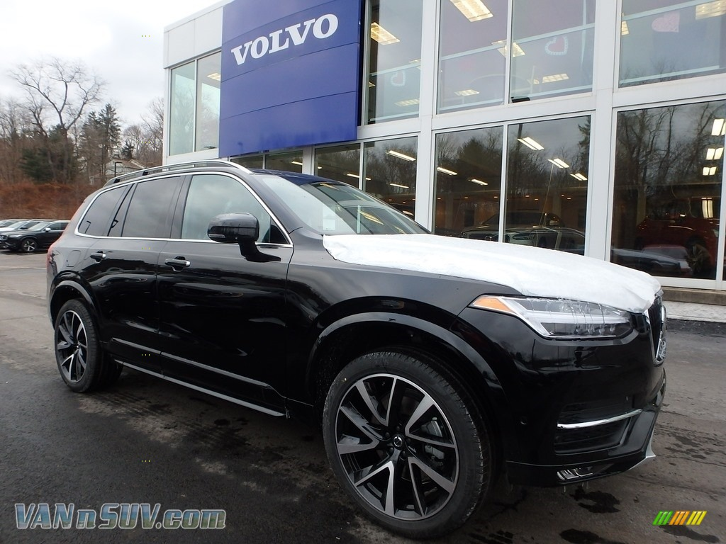 2018 XC90 T6 AWD Momentum - Onyx Black Metallic / Charcoal photo #1