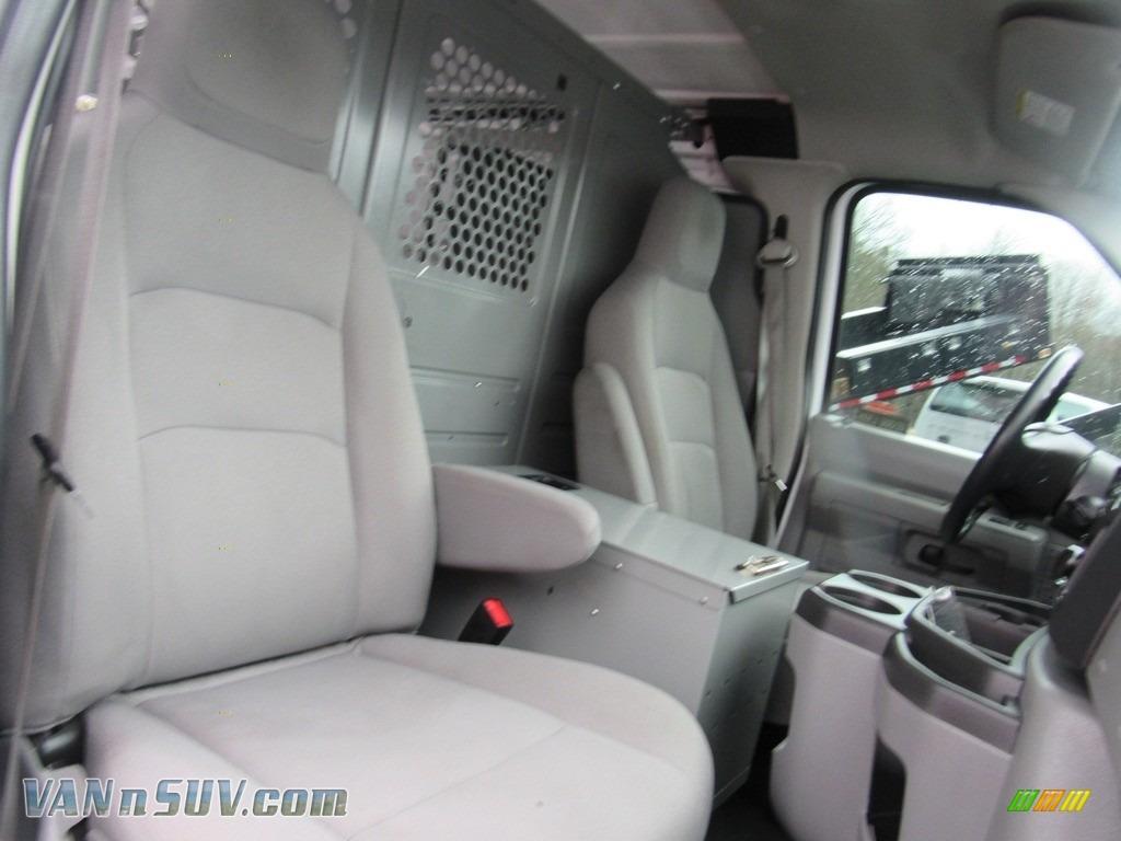 2012 E Series Van E150 Cargo - Oxford White / Medium Flint photo #19