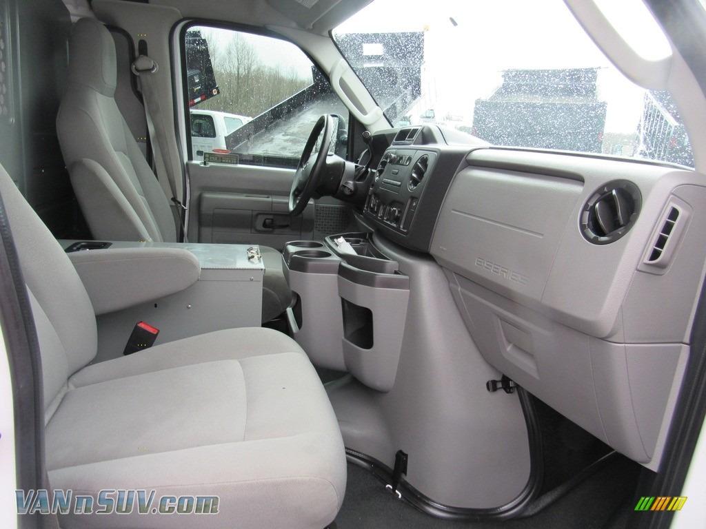 2012 E Series Van E150 Cargo - Oxford White / Medium Flint photo #20