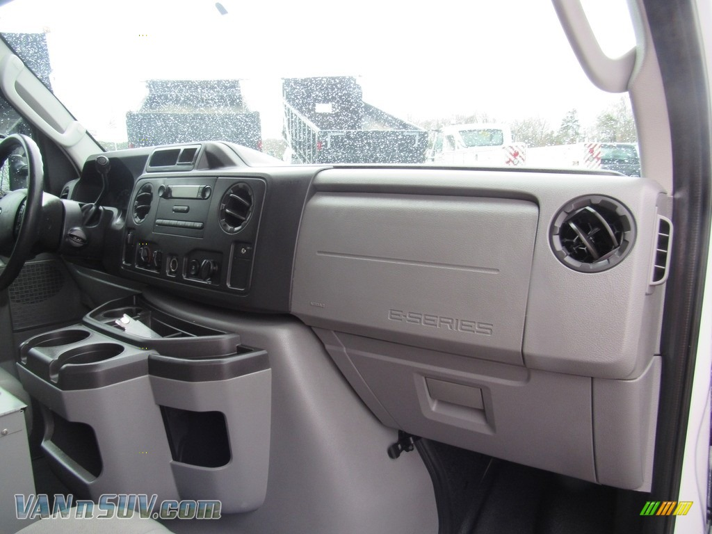 2012 E Series Van E150 Cargo - Oxford White / Medium Flint photo #21