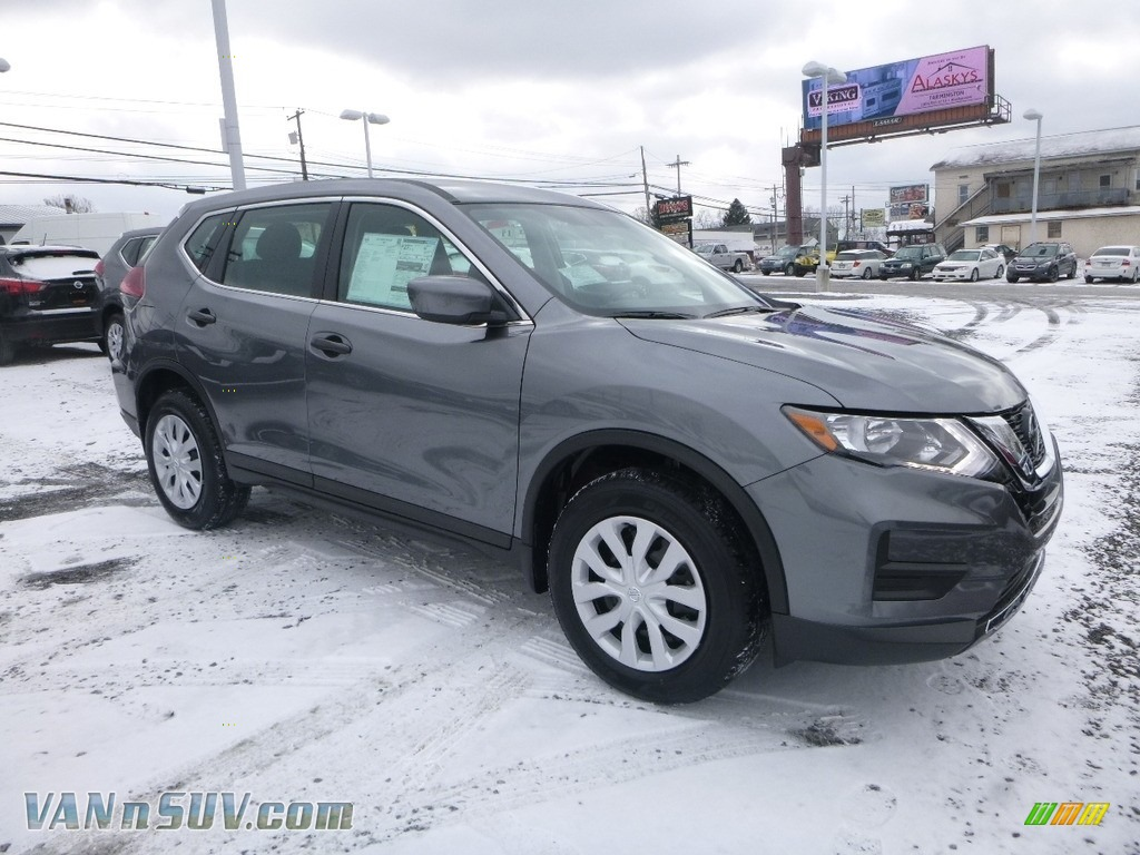 Gun Metallic / Charcoal Nissan Rogue S AWD