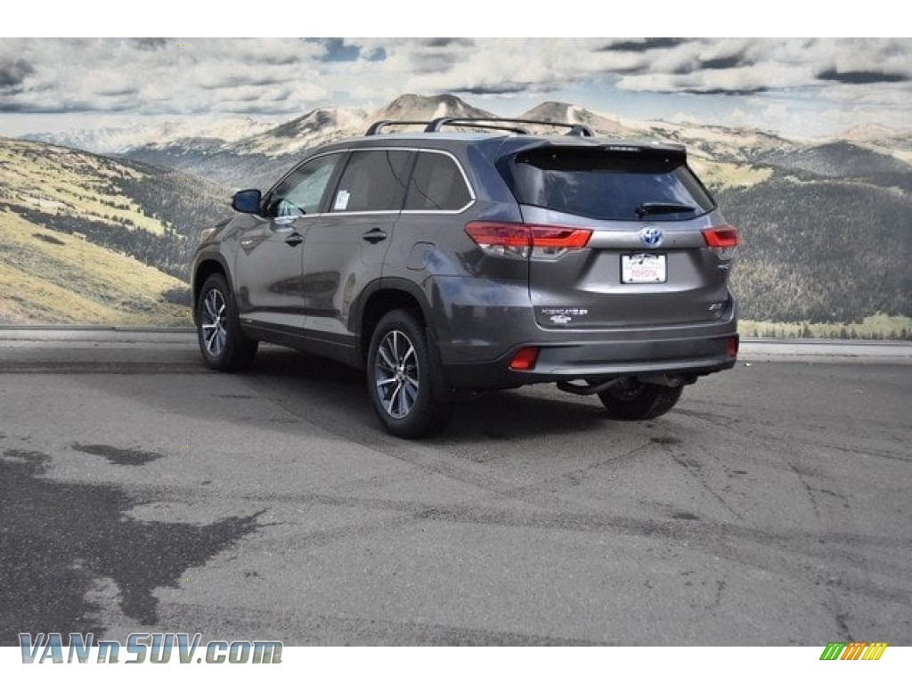 2018 Highlander Hybrid XLE AWD - Predawn Gray Mica / Black photo #3