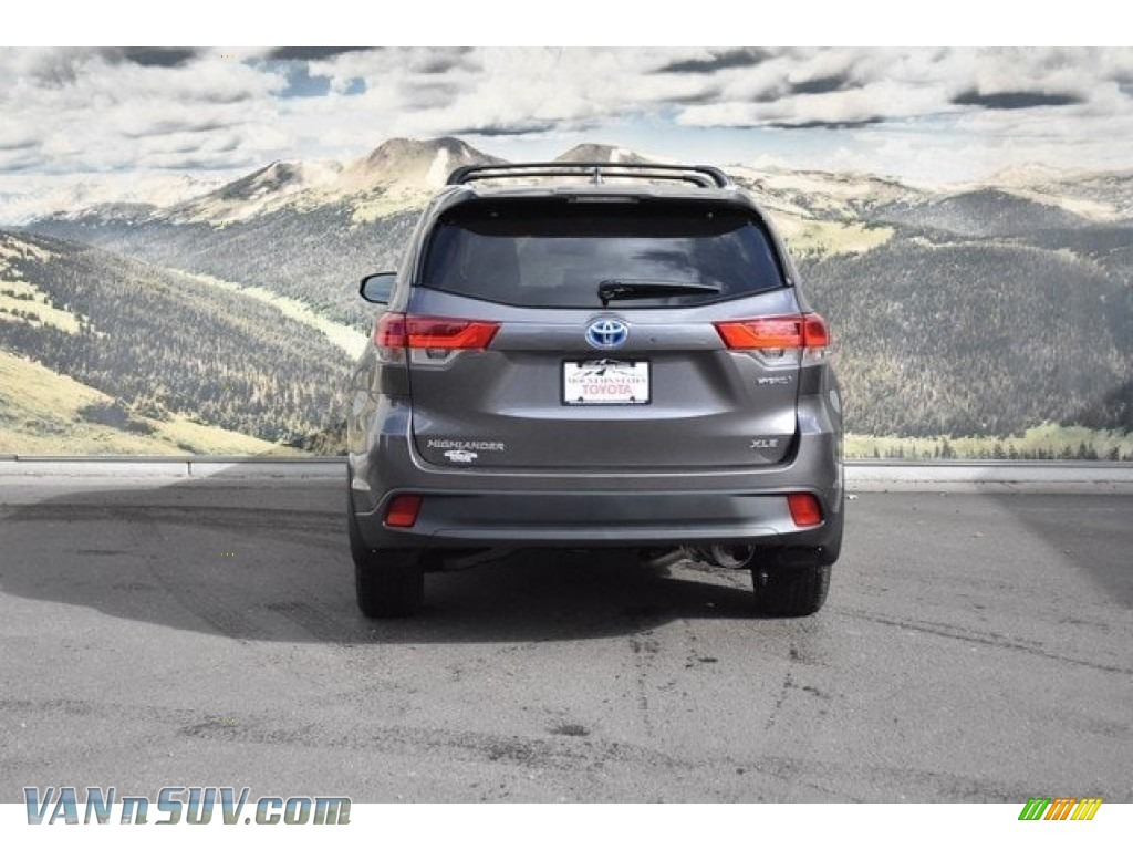 2018 Highlander Hybrid XLE AWD - Predawn Gray Mica / Black photo #4