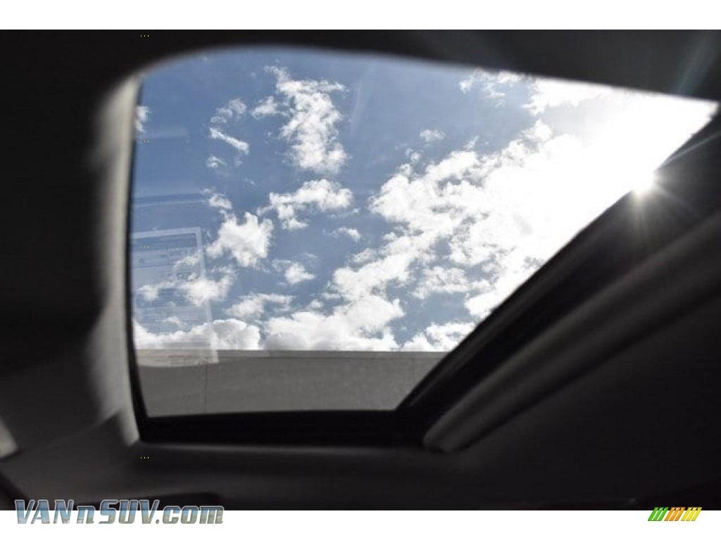 2018 Highlander Hybrid XLE AWD - Predawn Gray Mica / Black photo #9