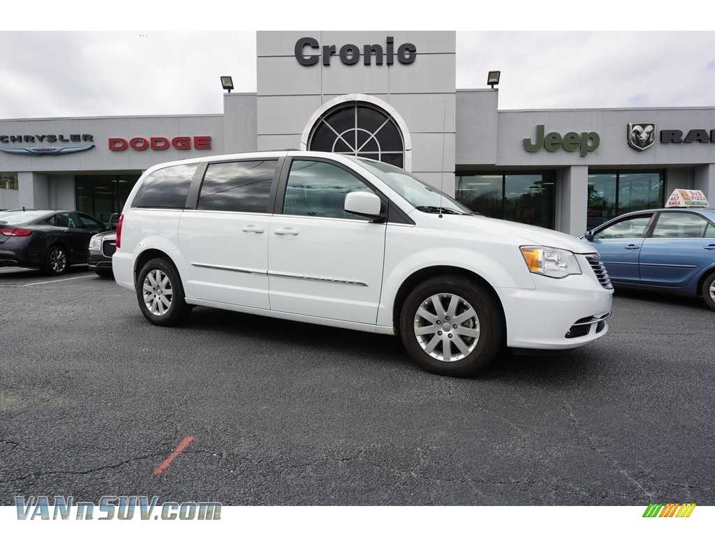 2016 Town & Country Touring - Bright White / Dark Frost Beige/Medium Frost Beige photo #1