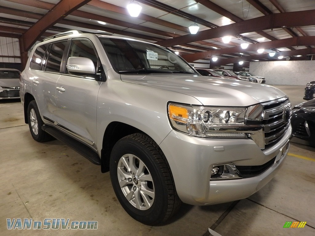 2018 Land Cruiser 4WD - Classic Silver Metallic / Black photo #1