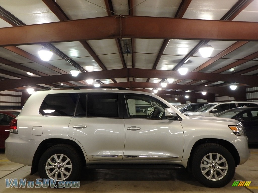2018 Land Cruiser 4WD - Classic Silver Metallic / Black photo #2