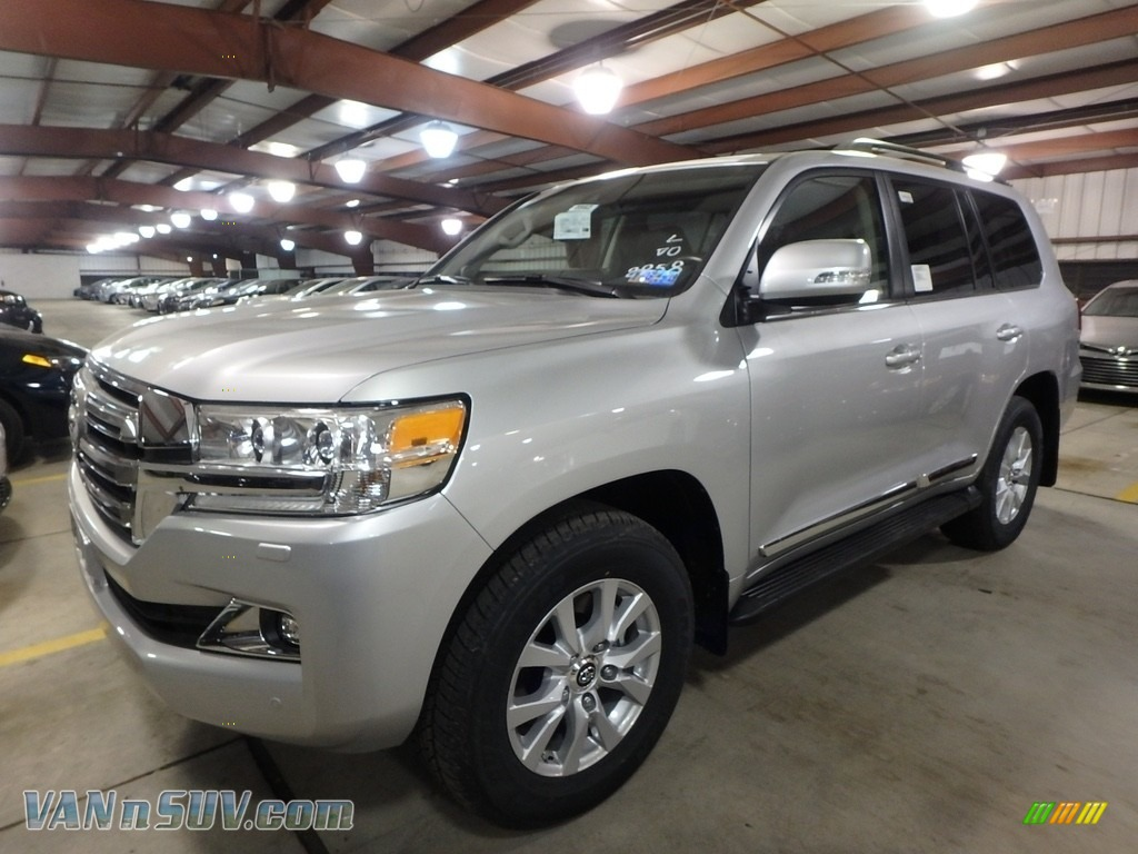 2018 Land Cruiser 4WD - Classic Silver Metallic / Black photo #4