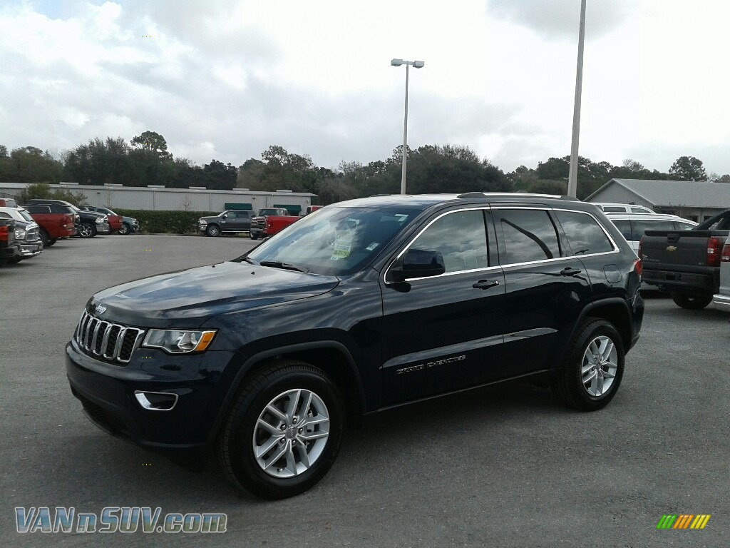2018 Grand Cherokee Laredo - True Blue Pearl / Black photo #1