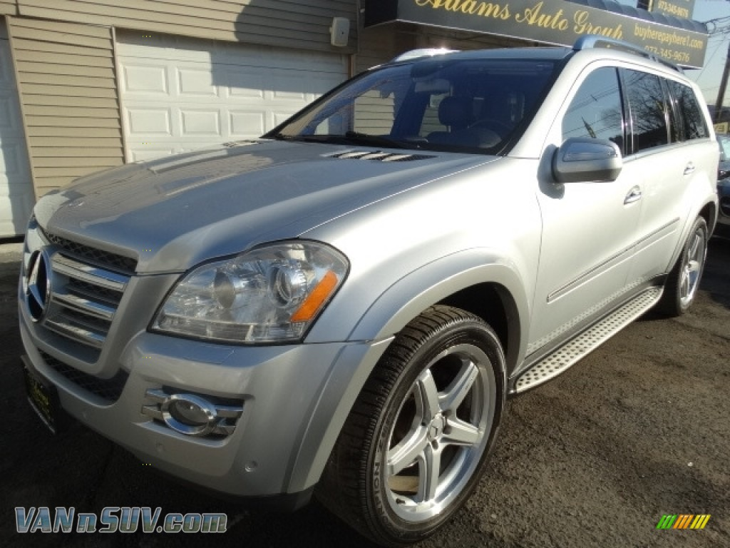 2009 GL 550 4Matic - Iridium Silver Metallic / Black photo #3