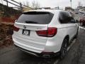 BMW X5 xDrive35i Mineral White Metallic photo #3