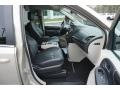Chrysler Town & Country Touring Cashmere/Sandstone Pearl photo #20