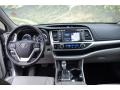 Toyota Highlander XLE AWD Silver Sky Metallic photo #13