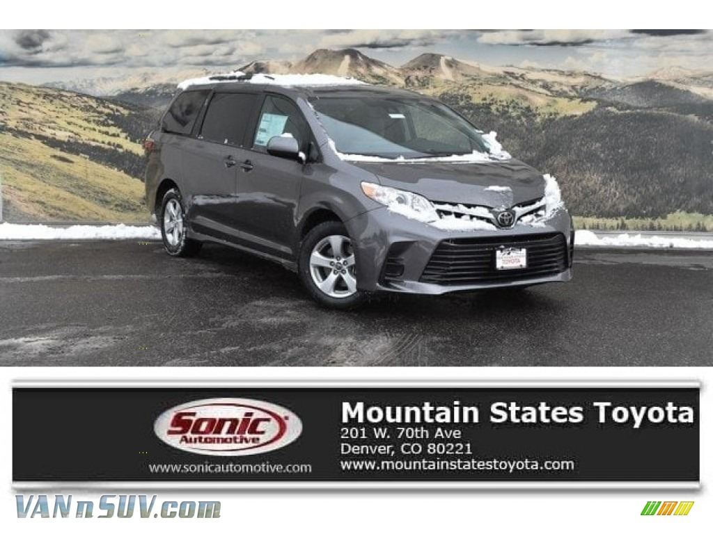 2018 Sienna LE - Predawn Gray Mica / Gray photo #1