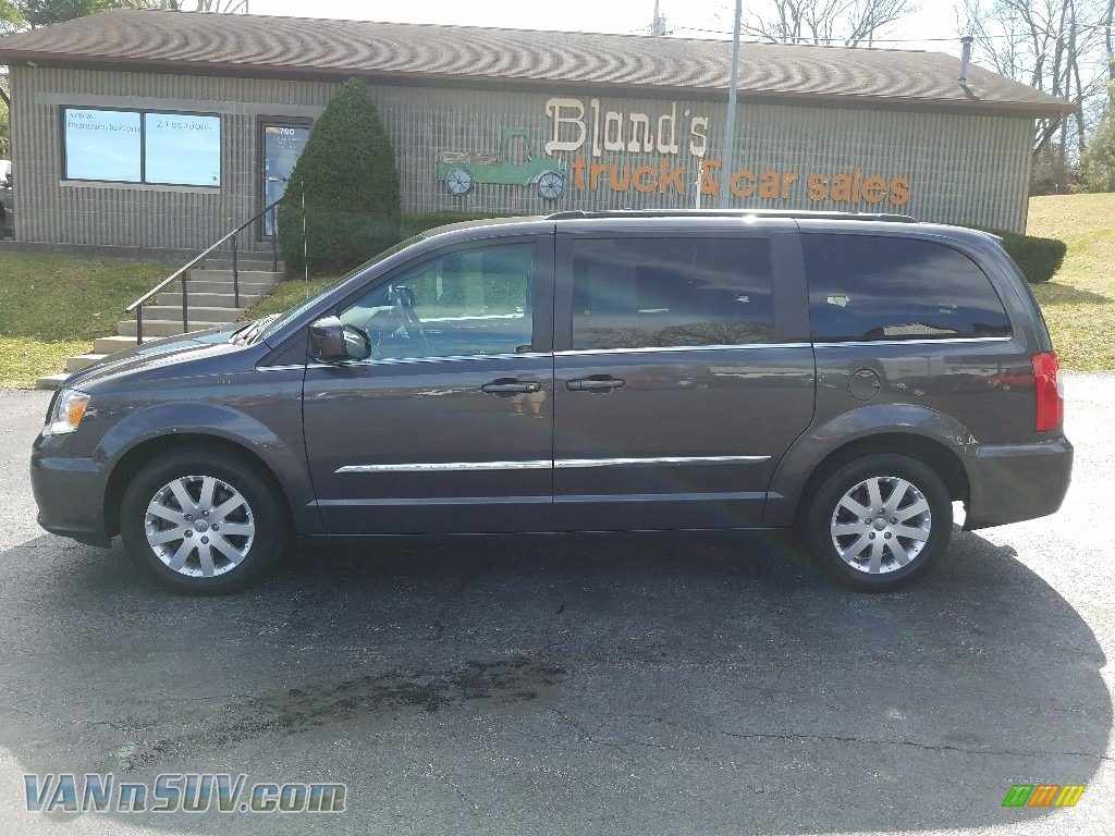 Granite Crystal Metallic / Dark Frost Beige/Medium Frost Beige Chrysler Town & Country Touring