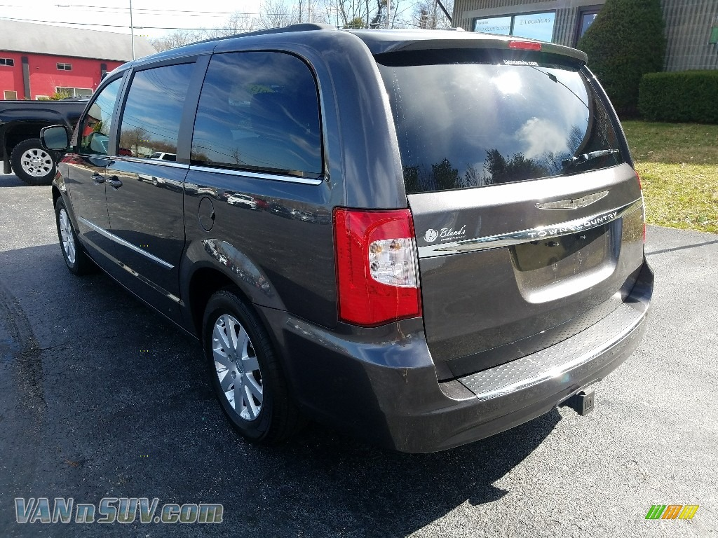 2015 Town & Country Touring - Granite Crystal Metallic / Dark Frost Beige/Medium Frost Beige photo #3