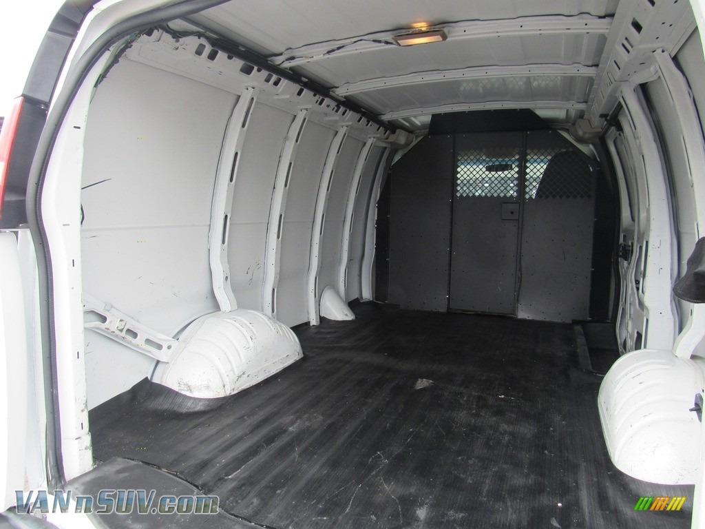 2013 Express 2500 Cargo Van - Summit White / Medium Pewter photo #11