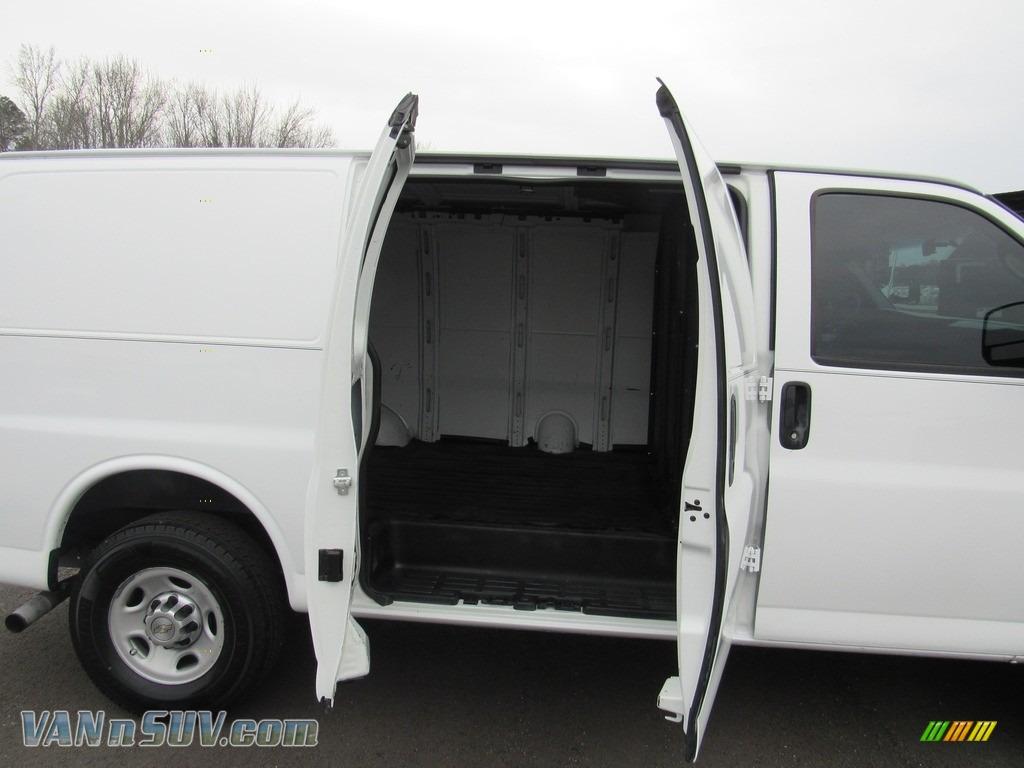 2013 Express 2500 Cargo Van - Summit White / Medium Pewter photo #13