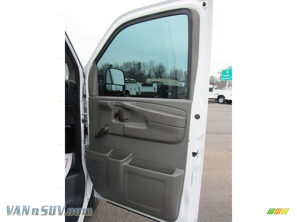 2013 Express 2500 Cargo Van - Summit White / Medium Pewter photo #16