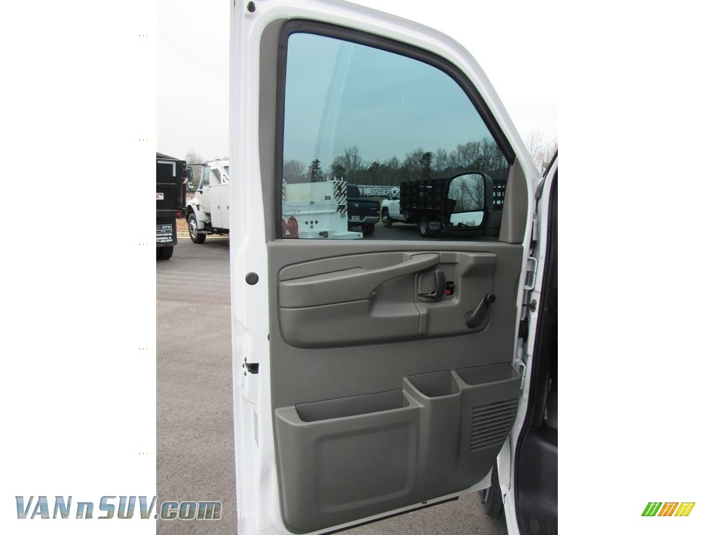 2013 Express 2500 Cargo Van - Summit White / Medium Pewter photo #29