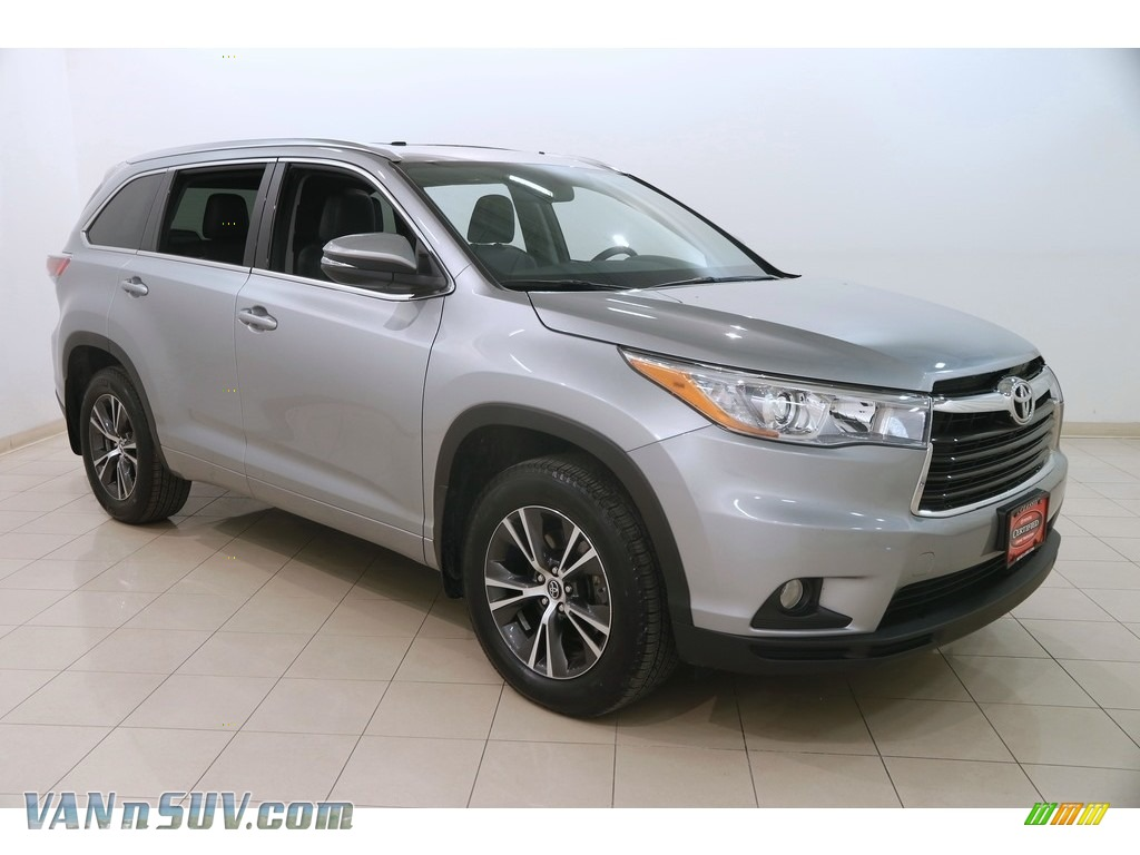 2016 Highlander XLE - Silver Sky Metallic / Black photo #1
