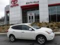 Nissan Rogue SV AWD Pearl White photo #2