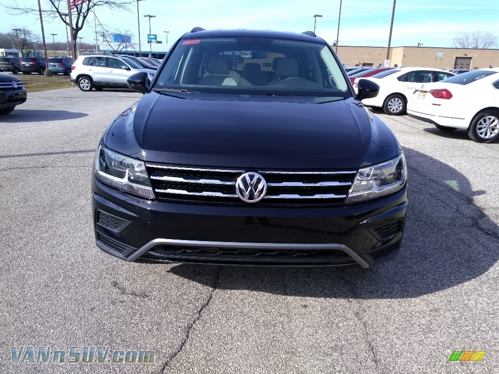 2018 Tiguan S 4MOTION - Deep Black Pearl / Storm Gray photo #1