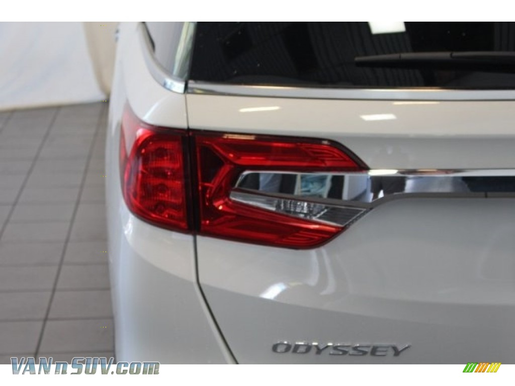 2018 Odyssey EX - White Diamond Pearl / Gray photo #9
