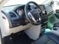 Chrysler Town & Country Touring-L Cashmere/Sandstone Pearl photo #15