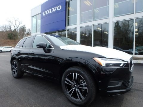 Onyx Black Metallic 2018 Volvo XC60 T5 AWD Momentum