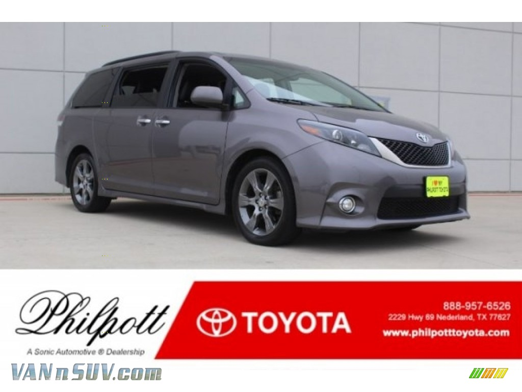 2015 Sienna SE - Predawn Gray Mica / Black photo #1