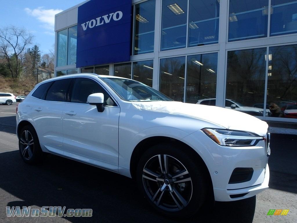 2018 XC60 T5 AWD Momentum - Crystal White Metallic / Charcoal photo #1