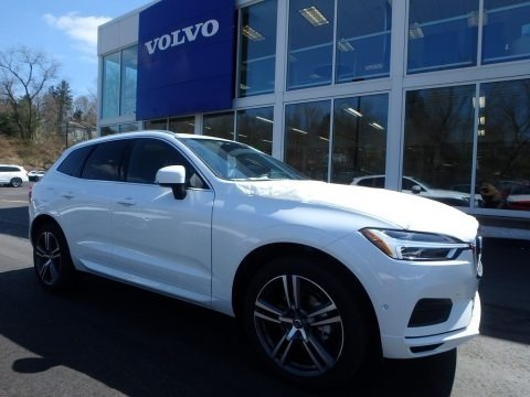 Crystal White Metallic 2018 Volvo XC60 T5 AWD Momentum