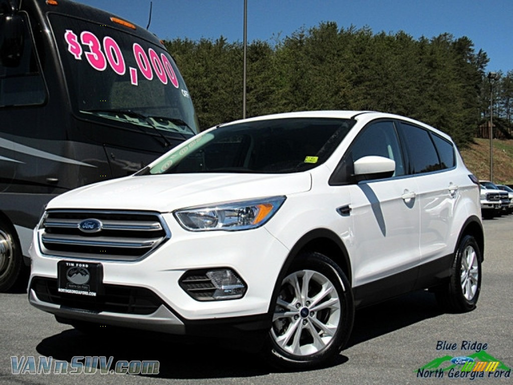 2017 Escape SE - Oxford White / Medium Light Stone photo #1