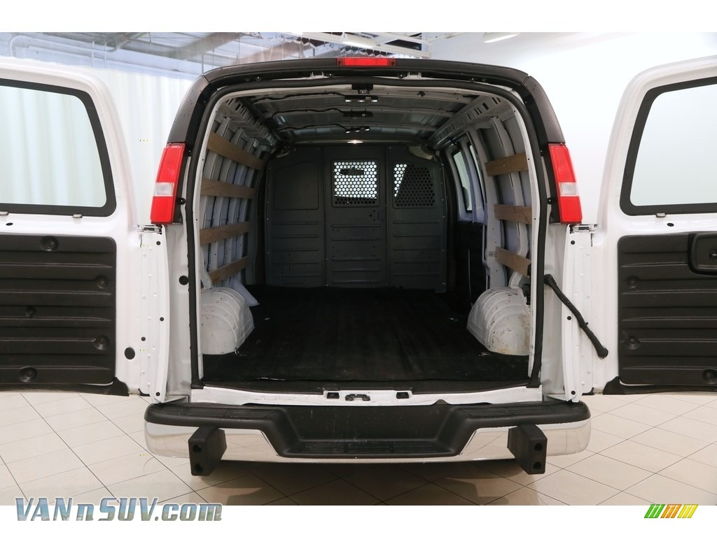 2017 Savana Van 2500 Cargo - Summit White / Medium Pewter photo #15