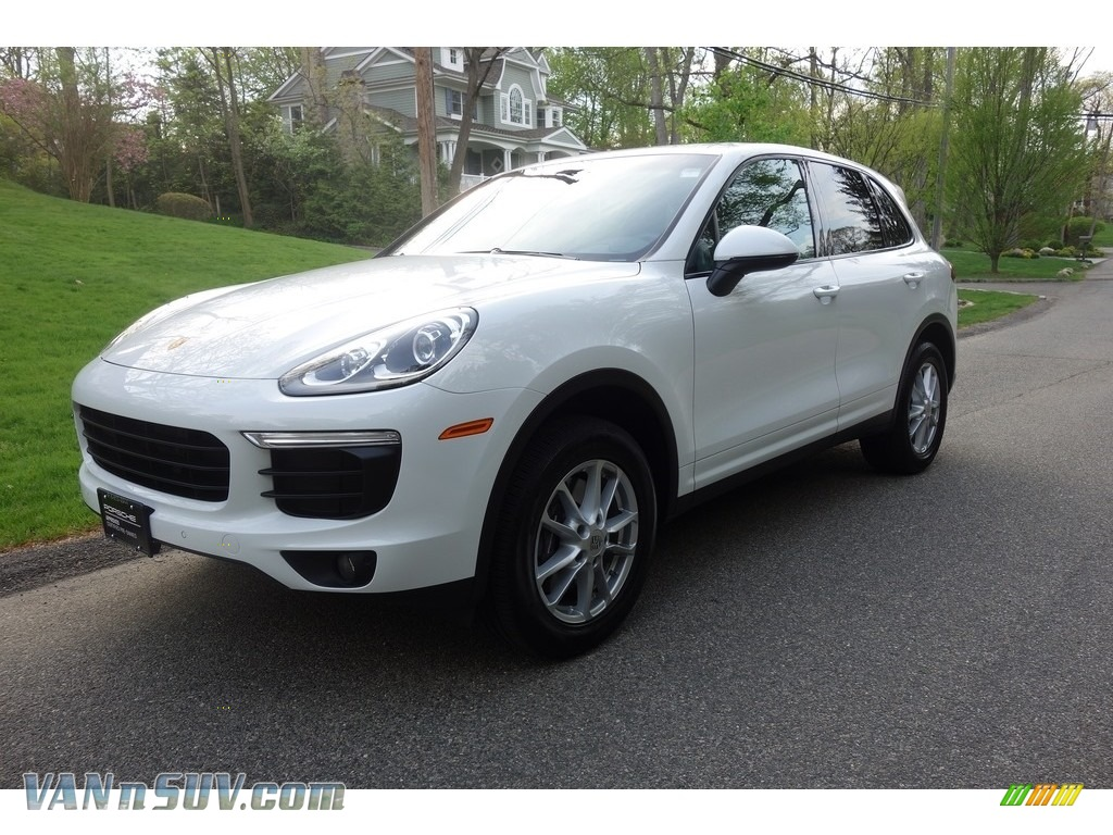 2018 Cayenne  - White / Black photo #1