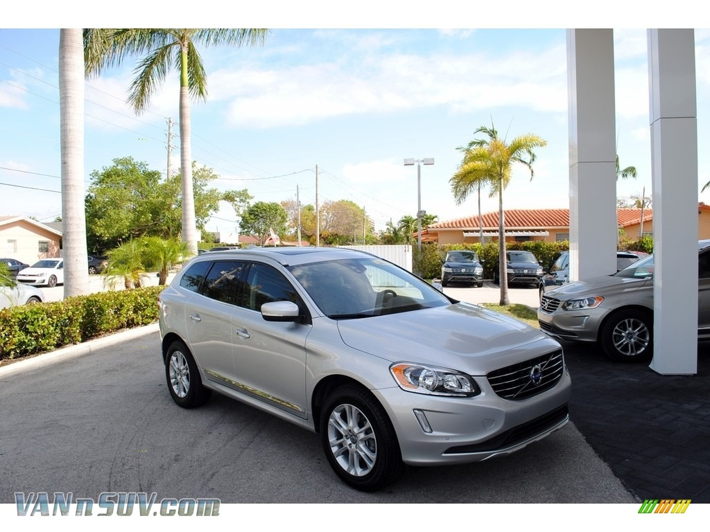 2015 XC60 T5 Drive-E - Bright Silver Metallic / Off Black photo #1