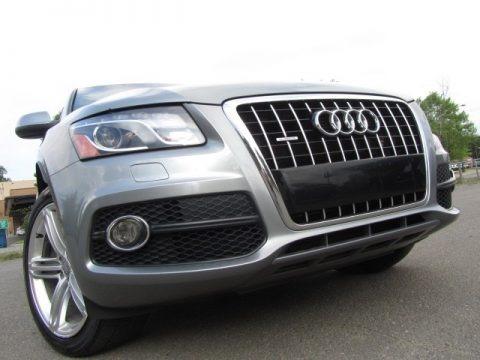 Quartz Grey Metallic 2011 Audi Q5 3.2 quattro